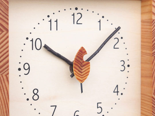 木製の掛け時計・置き時計・からくり時計など贈り物に人気の手作り時計 |キコリ時計工房(Kicori)【本店】|小さな森の時計