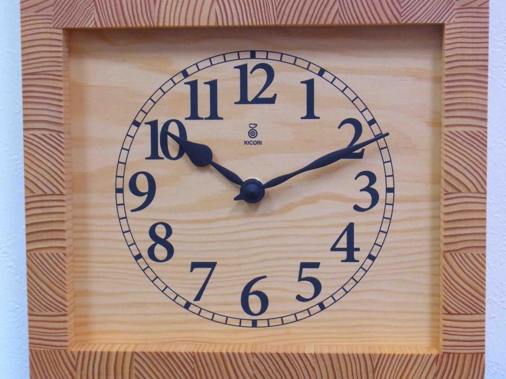 木製の掛け時計・置き時計・からくり時計など贈り物に人気の手作り時計 |キコリ時計工房(Kicori)【本店】|イヌとホネの時計